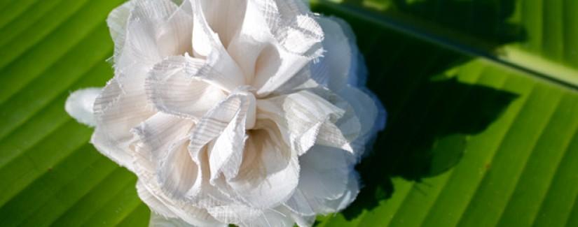 Aprenda a fazer uma flor de tecido