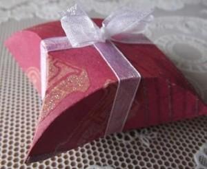 como-fazer-caixa-de-presente-com-cd-1